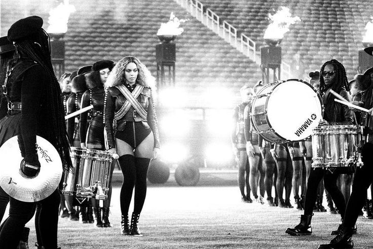 Beyoncé shares amazing photos from Super Bowl halftime show rehearsals | The Verge