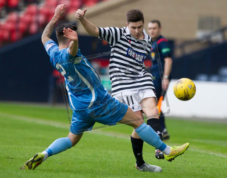 Queen's Park's Sean Burns on the ball during the SPFL League Two game between Queen's Park and Berwick Rangers.