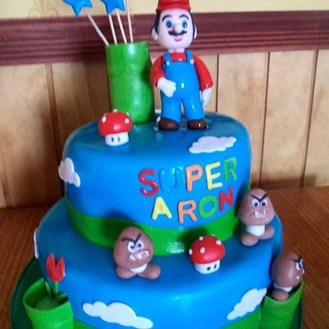 #MarioBros #fondant #cake by Volován Productos #instacake #puq #Chile #VolovanProductos #Cakes #Cakestagram #SweetCake