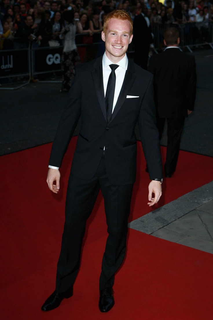 On tuesday night's GQ Men of the Year Awards, some lovely Team GB Olympians made a great impression off the field. Olympic Long jump Gold medalist Greg Rutherford dressed in BOSS Black and Silver and Bronze Olympic gymnastic medalist Louis Smith dressed in HUGO looked more than dapper at London's Royal Opera House.