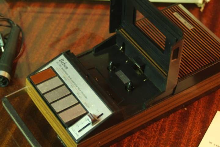 Magnétophone enregistreur à cassette Belson BC 275 Vintage