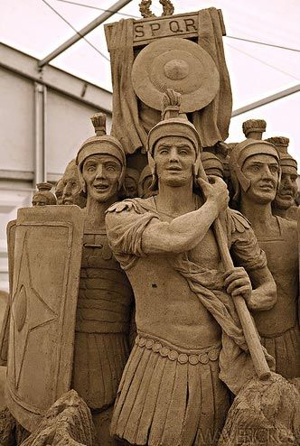 sand sculpture of Roman soldiers