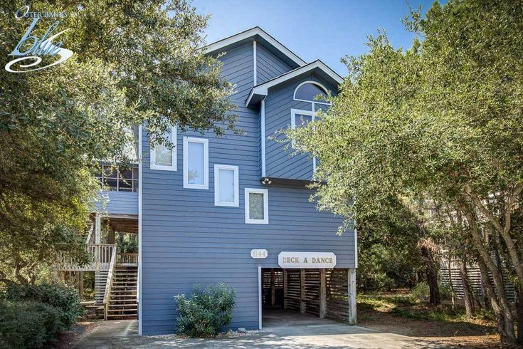 New to Inventory for 2018! Deck-A-Dance has 6 bedrooms, 4 bathrooms, and is located 1550 ft from the beach. Rates from $1275 to $3020. - Corolla Vacation Rentals - Outer Banks Blue - Outer Banks Vacation Rentals