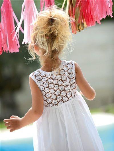 Jupon fille tulle et sequins beige irise turquoise for Robes de demoiselle d honneur aqua pour mariage sur la plage