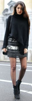 Anoushka Probyn + super cute look + knitted sweater + statement mini skirt + we love it + Chelsea boots + gorgeous fall style.   Jumper: Boden, Skirt: Second hand, Boots: Kurt Geiger, Bag: Topshop.