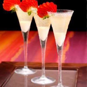 коктейль с шампанским и соком