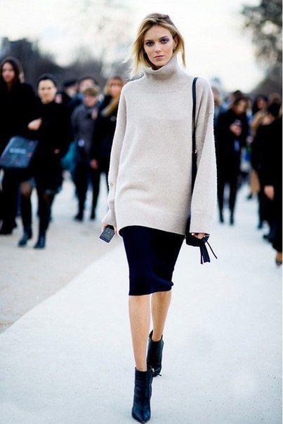 Вопрос 22.Черная юбка карандаш серый свитер ( из года в год я выбираю разные по содержанию теплые серые свитера)