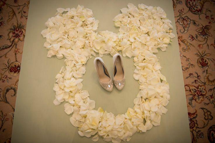 We spy a Hidden Mickey made of rose petals! #Disney #wedding #roses #HiddenMickey