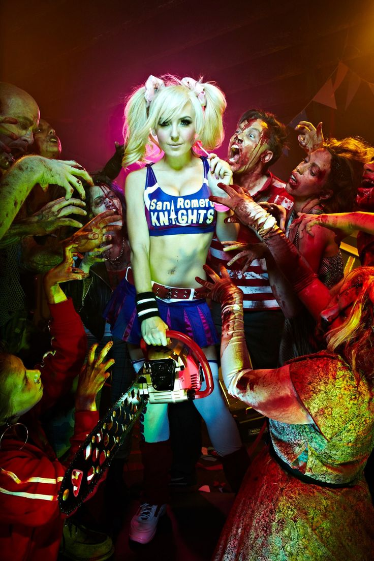 Lollipop Chainsaw cosplay. One of my favs (cosplays, not games. Not a gamer. But if I was, I'd definitely get down on some of this.) -z