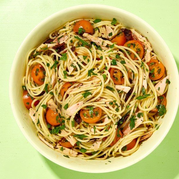 Spaghetti with Tuna, Tomatoes, and Olives
