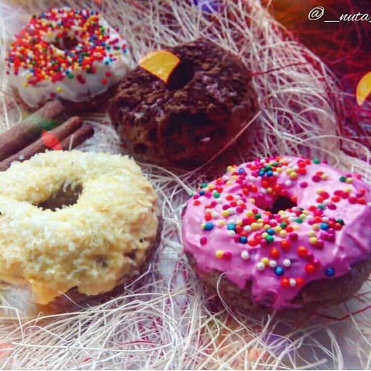 «Автор рецепта  @_nuta_fit_  Очень вкусные, полезные творожные пончики 200 грамм творога, 100-120 грамм пшеничной цельнозерновой муки, 1 яйцо, чайная…»