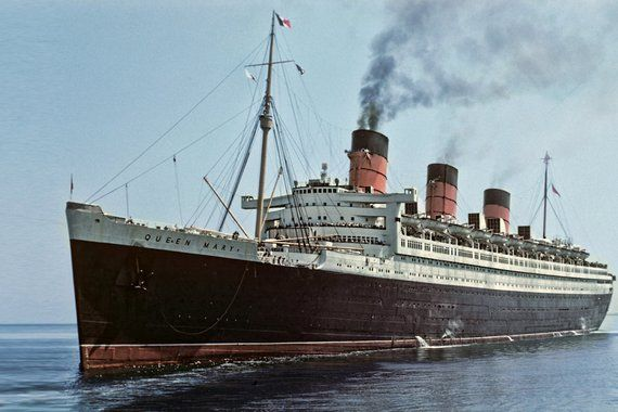 Queen Mary Luxury Liner 1952 in New York, Vintage Image from