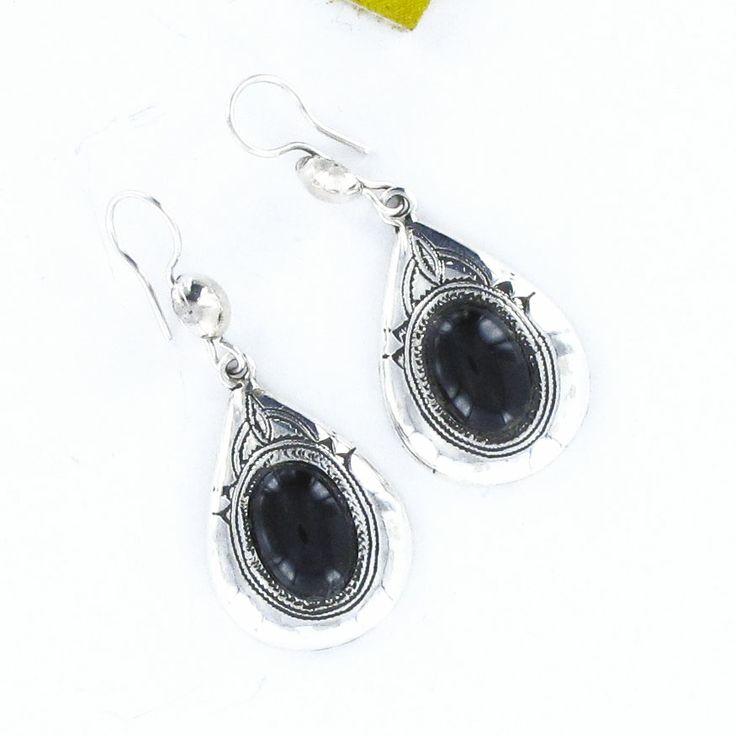Boucles d'oreilles Touareg en onyx losange forme. Vente à la bijouterie Toulouse Laoula http://www.laoula-bijoux.com