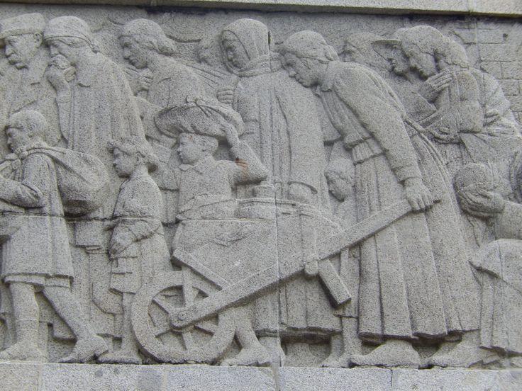 war memorial fresque detail