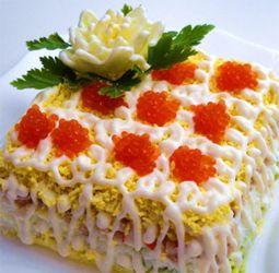 Салат с креветками фруктами и ельдереем