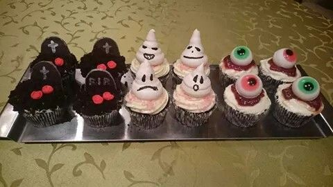 Halloween cupcakes by Cica Mica