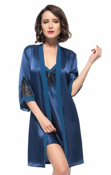Beautiful Flower Embroidery Bust and Behind Neck Silk Robe and Chemise Sets #casasilk #black #lace #sexy http://www.casasilk.com/Deluxe/Silk-Womens-c1-103980/ click here: http://www.casasilk.com/product/10978093.html