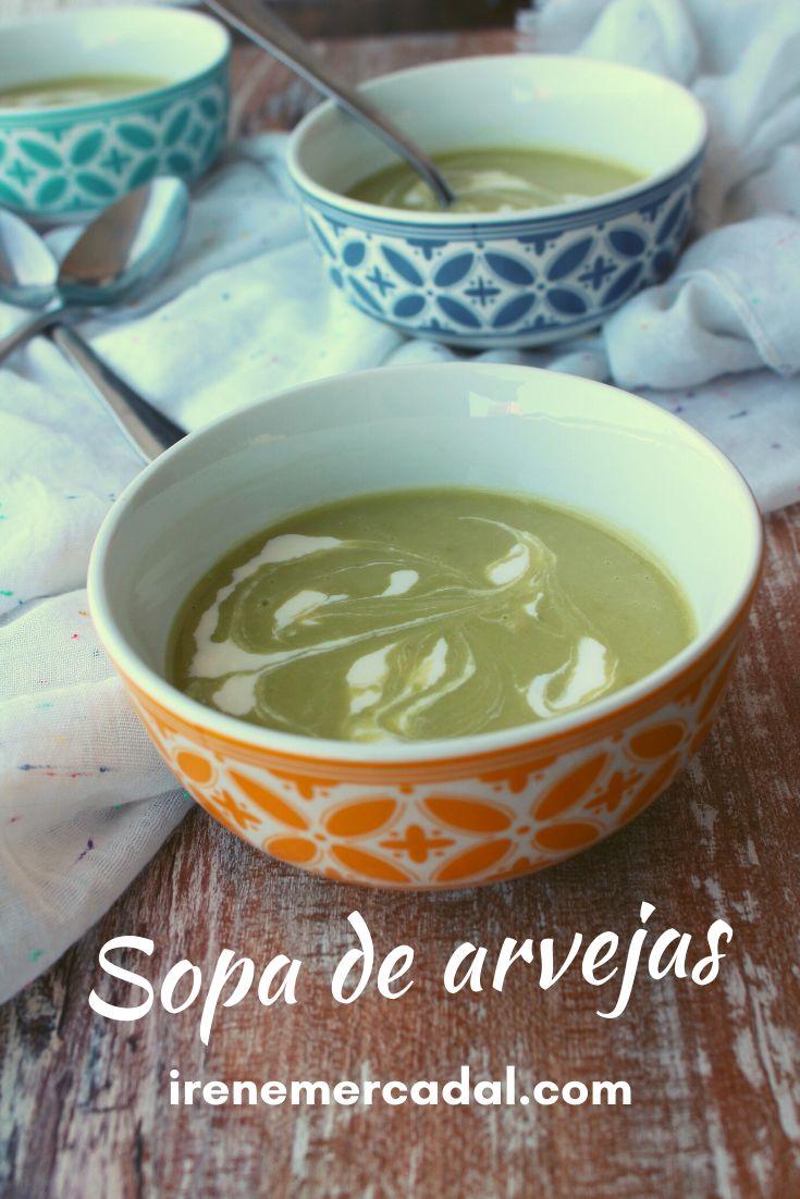 Esta sopa de arvejas es deliciosa, muy nutritiva y fácil de preparar.¿Quieres ver la receta?  #recetavegana #recetasalidable #sopaarvejas Gazpacho, Drinks, Tableware, Bro, Cami, Dresses, Bath Recipes, Mexican Recipes, Cook