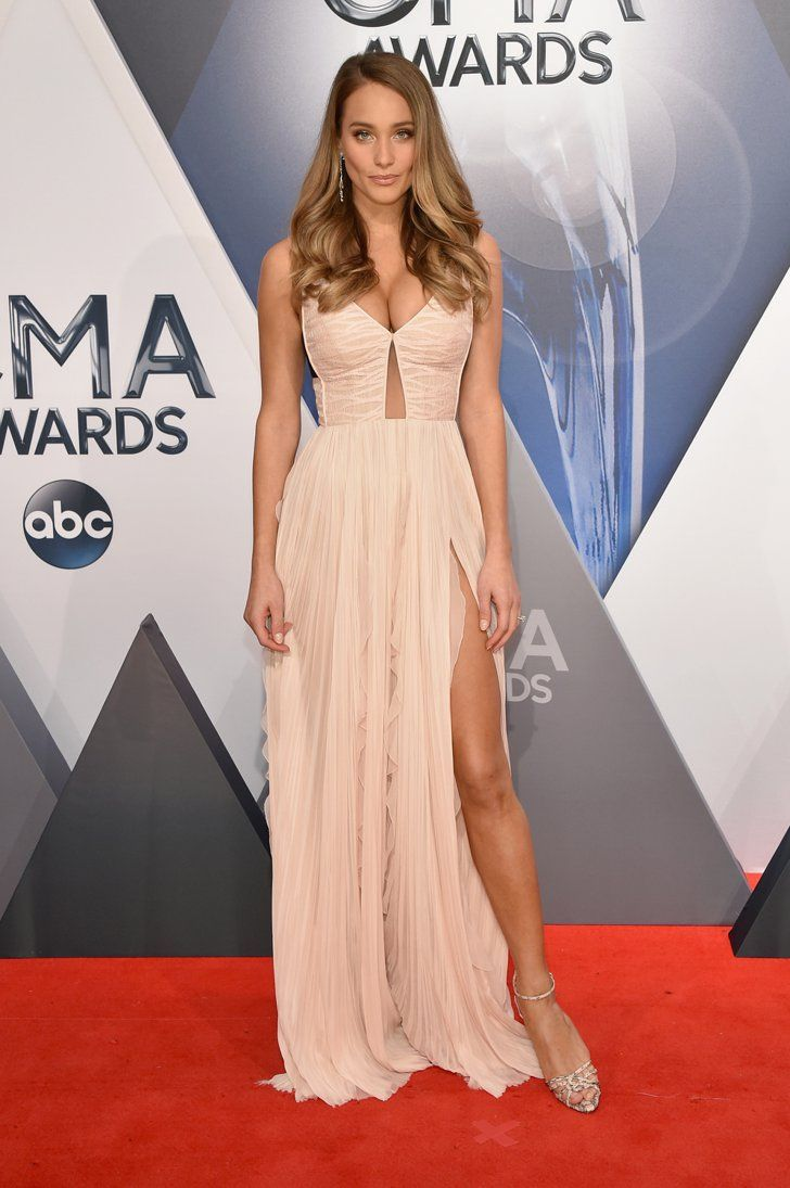 Hannah Davis's New Engagement Ring Just Upstaged Her Dress at the CMAs