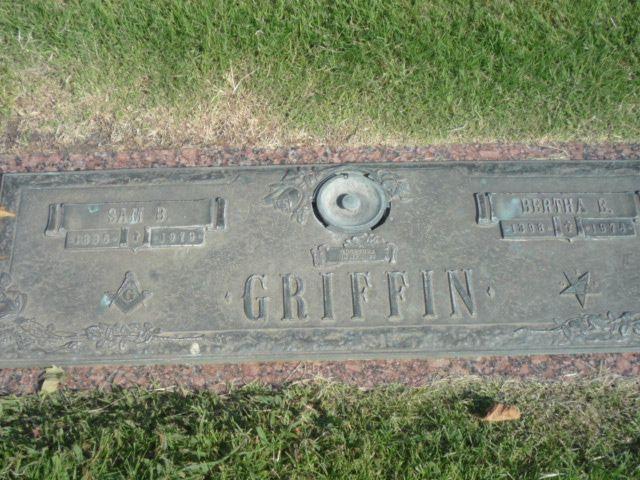 Born in 2 Feb 1898 and died in 27 Jan 1974 Pflugerville, Texas  Bertha Eudora Burt Griffin