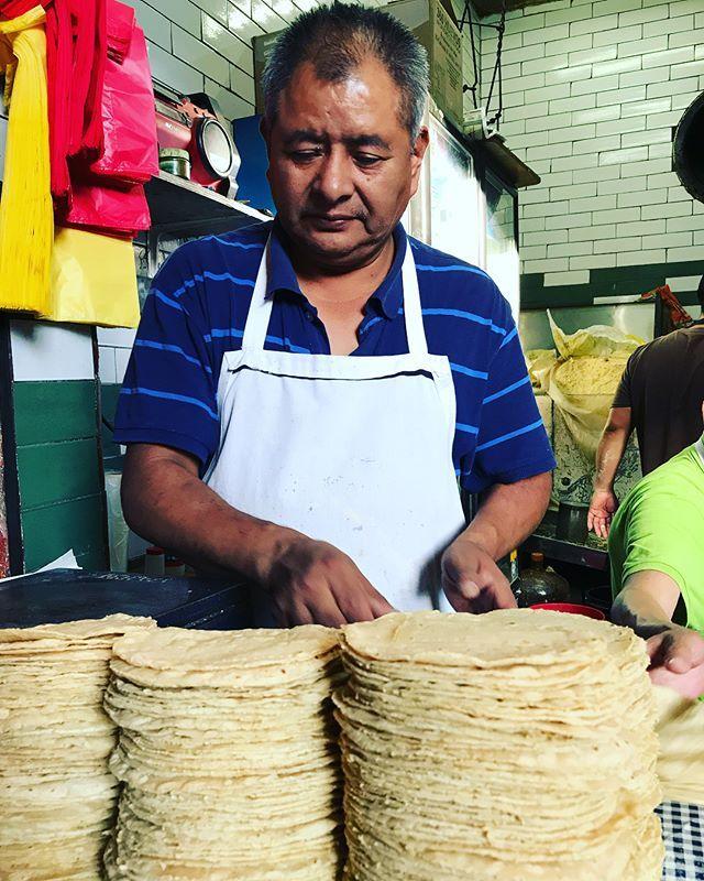 Tortillería !!! #food #foodstyling #foodie #foodgram #foodism #tortilla #tortillería #tortilleríadebarrio #masa #food_glooby #maquina