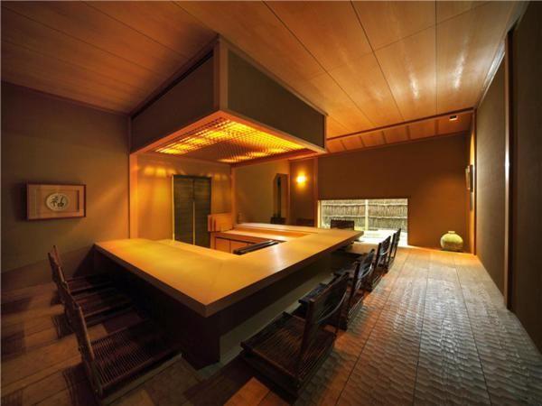 apartment in Minami-Azabu, Tokyo by Cecotti Collezioni