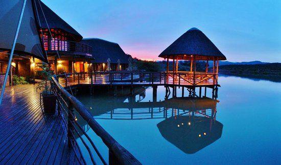 Breathtaking view from the reataurant and deck. - Bild von Buffelsdrift Game Lodge Restaurant, Oudtshoorn – TripAdvisor