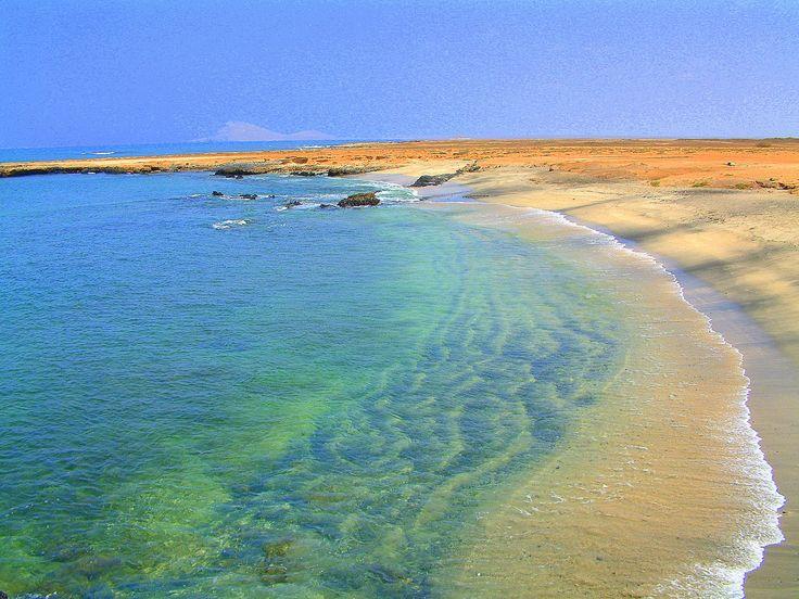 Si eres de los que buscan sol, playa y a un precio realmente económico, no te pierdas #CaboVerde, ya que cumple con esto y mucho más. Las #playas de Cabo Verde son de arena fina, perfectas para unas #vacaciones tranquilas y relajantes, donde podrás incluir a tu viaje a Cabo Verde actividades como buceo y snorkel. Consigue la mejor oferta para Cabo Verde aquí http://www.felicesvacaciones.es/ofertas-viajes-baratos/viajes-cabo-verde/