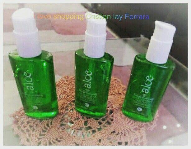 Body gel concentrato con Aloe Vera 100%puro.  Idrata, protegge e rinfresca la pelle. La sua formula con il 100 % di pura aloe vera Rigenera in modo efficace ed idrata la pelle in profondità. Contenuto : 150 ml Euro 5.60