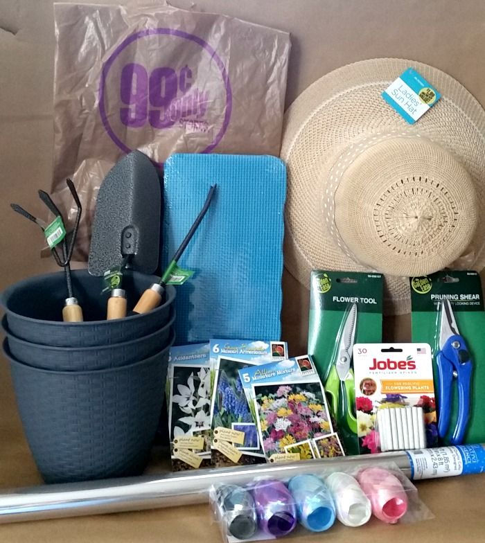 Mother's Day Garden Gift Basket items