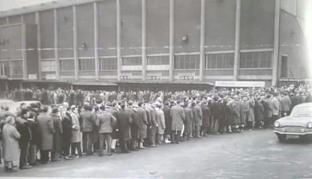 Leeds United FC Queuing For Tickets At Elland Road For The 1964 Cup Tie With Everton.