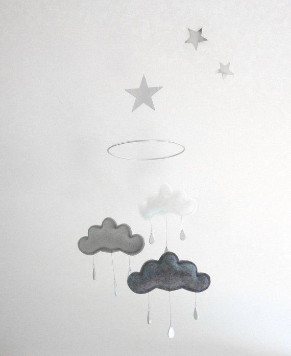 White and Grey cloud mobile for nursery SHINTO by leptitpapillon