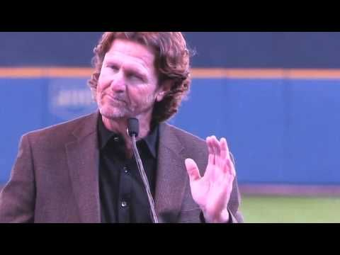 Robin Yount shares Bob Uecker stories - YouTube