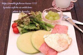 「ベーコンエッグのほうれん草パンケーキ」きょうこcafe   お菓子・パンのレシピや作り方【corecle*コレクル】
