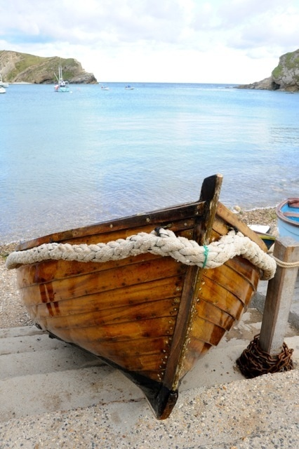 Lulworth Cove Dorset http://www.visit-dorset.com/things-to-do/attractions/lulworth-cove-p807263