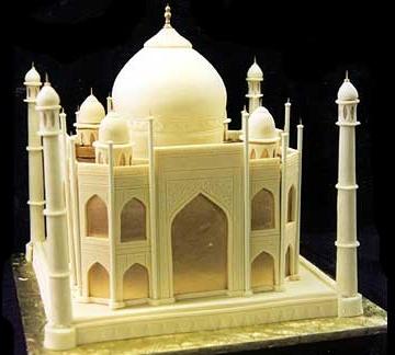Indian Weddings Inspirations. Taj Mahal wedding cake. Repinned by #indianweddingsmag indianweddingsmag.com