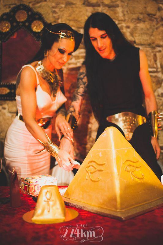 boda egipcia en el palau gomís de barcelona, reportaje de boda , 274km, barcelona, hospitalet, gala martinez, sergio murria, fotografia, photography, boda, wedding, photographers, novios274km, bodas274km, bride, novia, nuvia, casament, wedding, pirámide