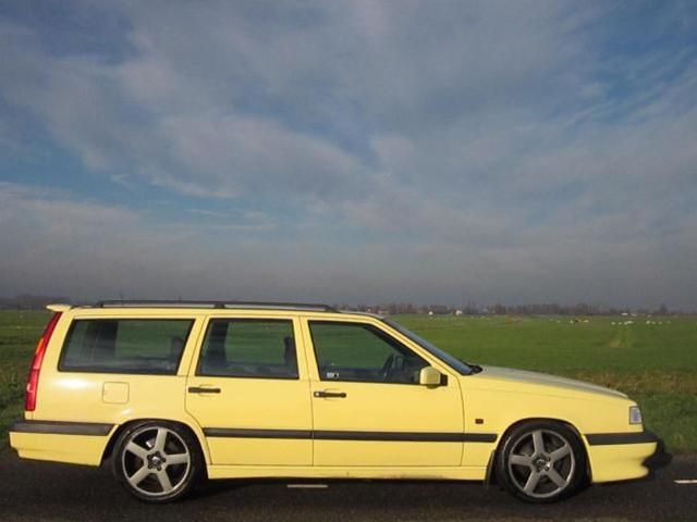 Cream Yellow Volvo 850 T5-R... This would be a great replacement for my current T5. Fingers crossed, they are getting rare!