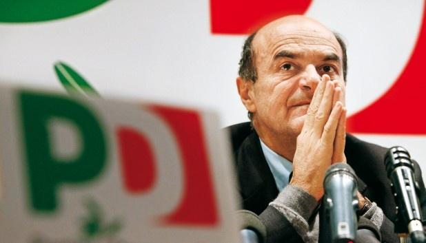 Ieri grande giornata di democrazia, in Italia. Onore al partito democratico e alle sue primarie, che hanno dimostrato come in Italia non ci sia nessun distacco definitivo dai partiti, ma solo da alcuni (tanti) politici. Il Pd è l'unico partito vero d'Italia, e ieri l'ha dimostrato.