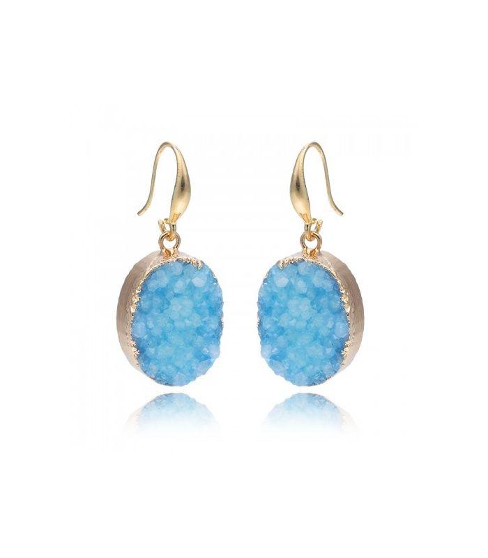 Oorbellen met blauwe kunststof inleg en goudkleurige zetting | Lengte van de oorbel inclusief haakje is circa 4 cm | Mooie blauwe oorbellen