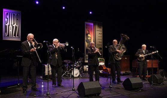 Bytunets Antikvariske Jazzensemble,  Bytunet på korets 90 års jubileum. Udland kirke på vår Jubileumskonsert i 2004. Bilde fra © Sildajazzen. Hør mer på YouTube https://www.youtube.com/watch?v=zFEcZ6oXof0&feature=youtu.be