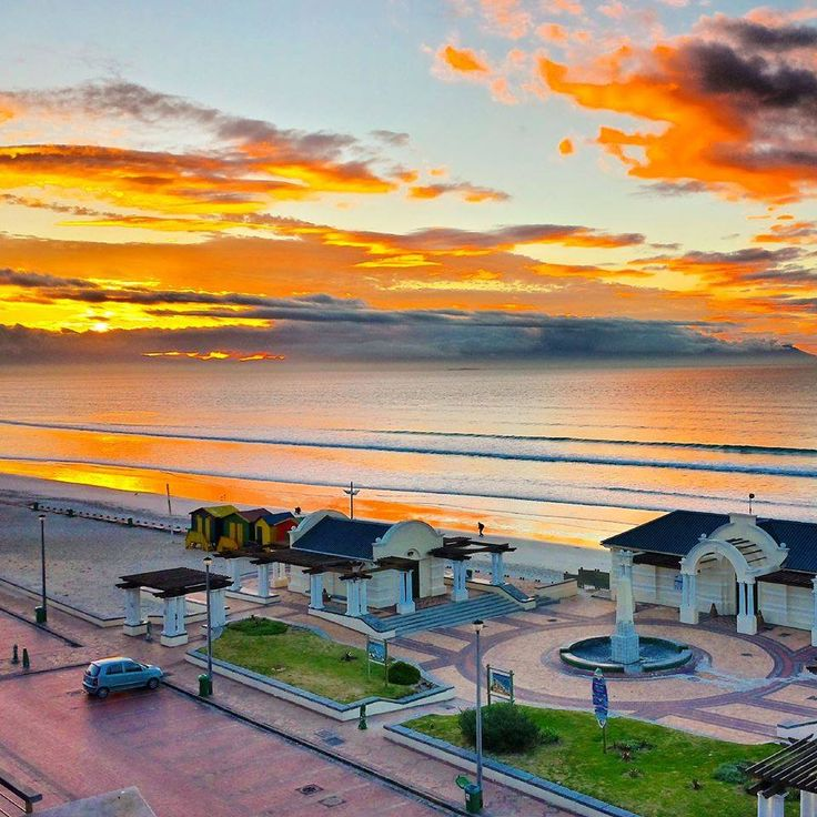 Beautiful early morning sunrise on #Muizenberg beach! Can you imagine having a coffee looking at this horizon across False Bay?