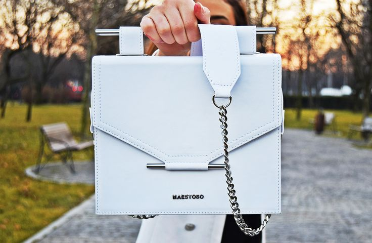 Maestoso white leather bag.