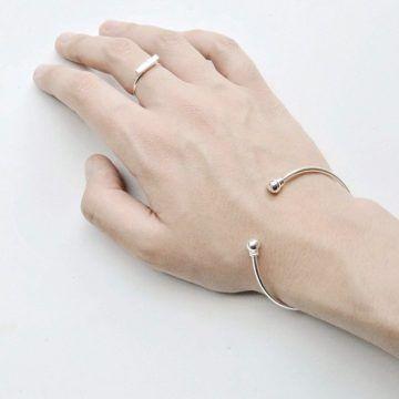 Armreif-silber-minimalistisch-sphere-Madeleine-Issing
