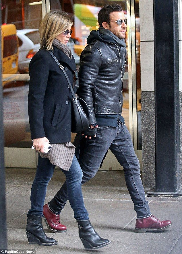 Layering ... Jennifer & Justin do it so well. Those Black Ankle Boots, tho!