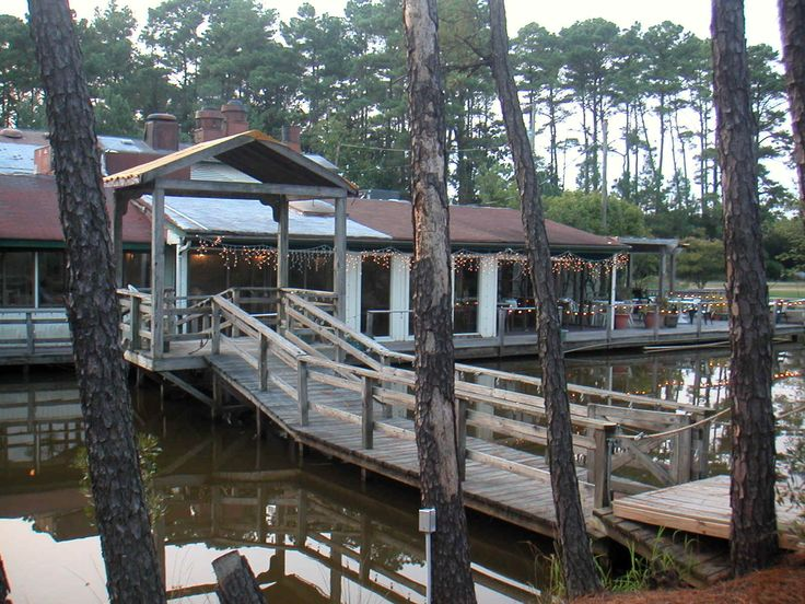 Blue Pete S Awesome Seafood Restaurant In Pungo Va Haunted According To This Website