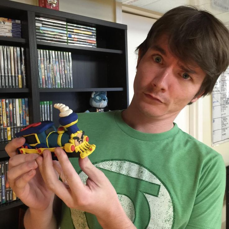 It's @RubberNinja holding up an awesome clay Steam Train made by @jdwebster1000!
