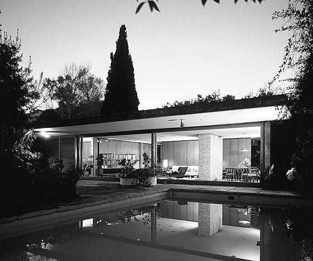 NIKOΣ ΒΑΛΣΑΜΑΚΗΣ Η κατοικία του στη ΦΙλοθέη 1963