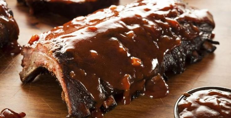 Côtes levées à la mijoteuse dans une sauce barbecue maison - Recettes - Ma Fourchette