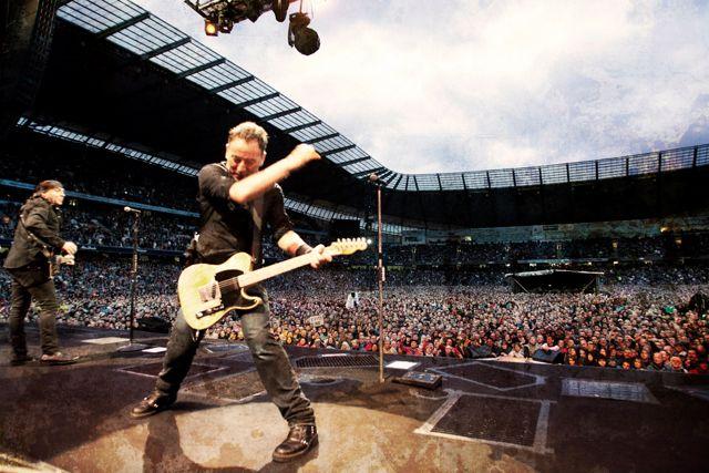 El miércoles 26 de junio de 2013 Bruce Springsteen volverá a subirse al escenario del Molinón en Gijón. Será su tercer concierto en la ciudad tras los de 1993 y 2003. Foto de stoneponyclub.es